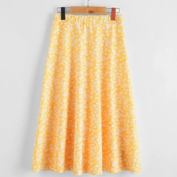 💕HOST PICK 🌈Ditzy Floral Maxi Skirt